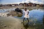 AIDEPENDENCE_Little_Girl_Slum.jpg